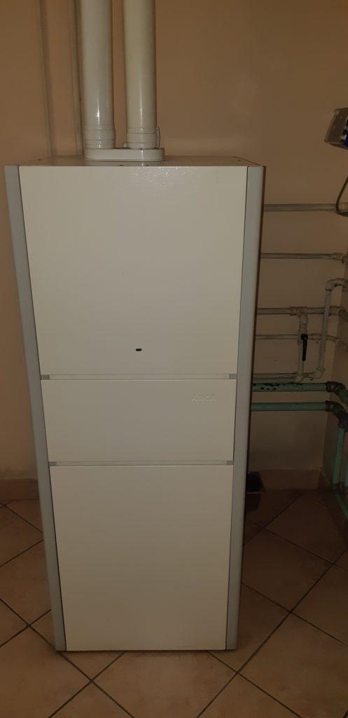 Vecchia caldaia a basamento-camera stagna-condizionatori Brescia