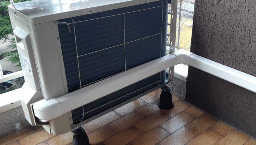 particollare installazione con canalina-condizionatori Brescia